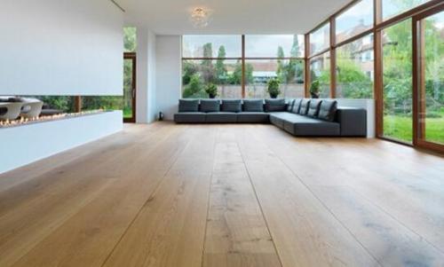 高�]木地板