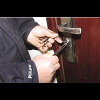 龙里修锁换锁电话