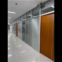 安装广元九州体育app时怎么选钢化玻璃