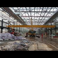 钢铁集团吊装厂房柱子