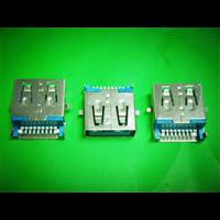 9P 半包 3.0 USB 母座 带弹两脚贴板 (绿巨人的拥抱)