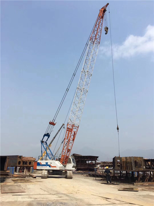 浙江湖州建筑安装公司出租70吨履带吊