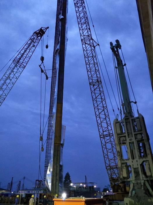 温州瓯海吊装公司出租180吨履带式起重机