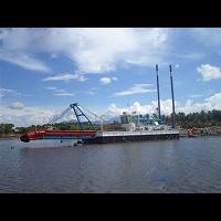 中型清淤船