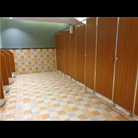 卫生间隔断3