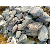 广东清远泰山石私人别墅鱼池围边造景