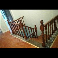 新疆实木楼梯厂家
