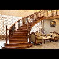 新疆实木别墅楼梯