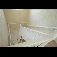 新疆实木楼梯的价格