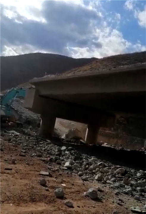 云南橋梁切割